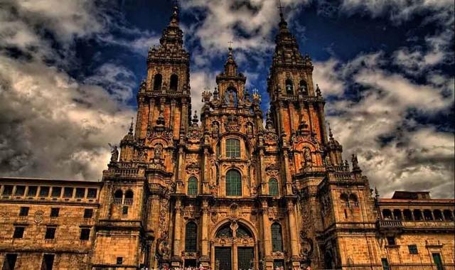 Santiago de Compostela - 50 min.
