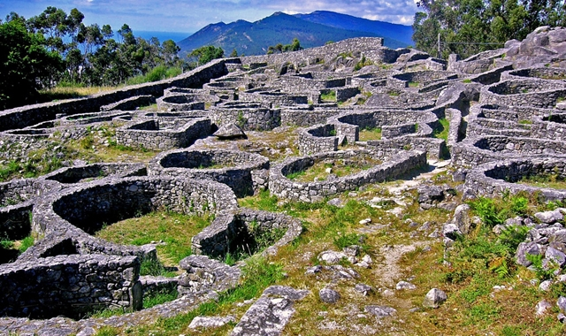 Monte Santa Tecla - 1 hora 30 min.